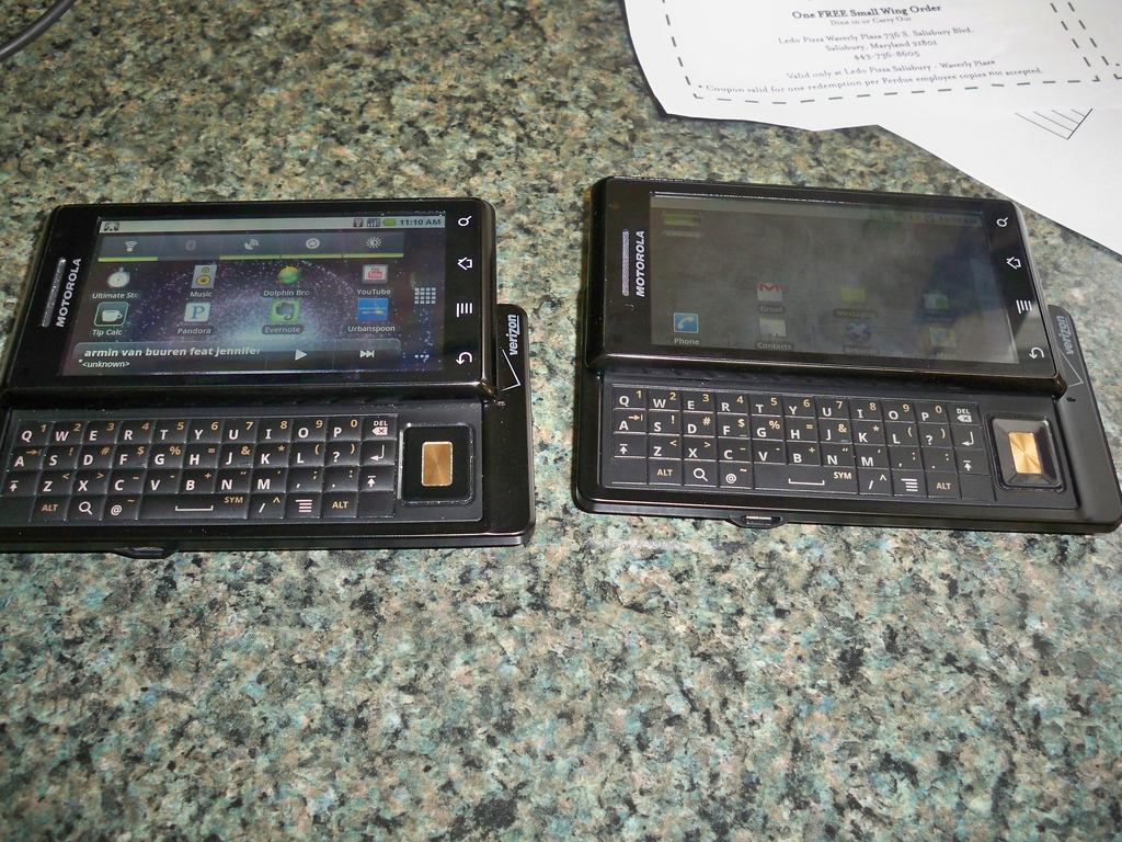 Side by side: Droid keyboards (flat vs. raised)