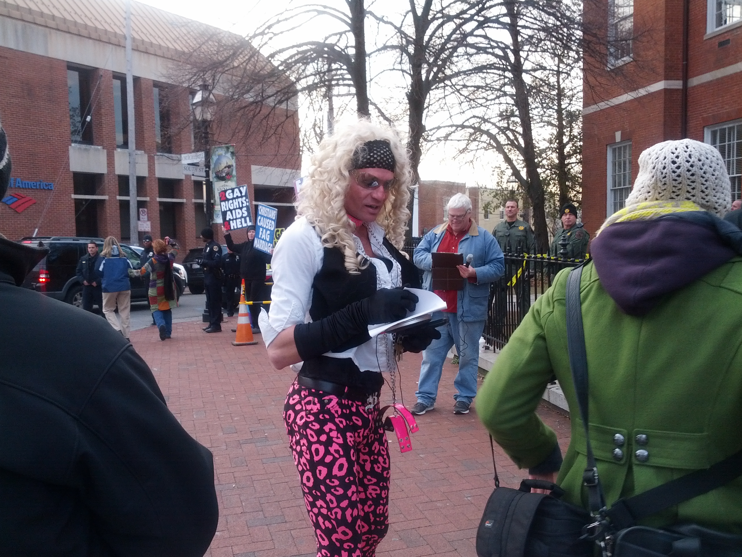 Dale Crites posed and danced near the WBC protesters, drawing lots of cheers from the counter-protest crowd.